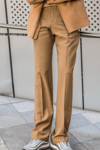Fashion_Week_Streets_sfws31017_WGSN_Street_Style_SFW_SS2017_Mens_15_02