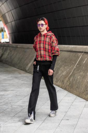 Fashion_Week_Streets_sfws31017_WGSN_Street_Style_SFW_SS2017_Mens_33_01