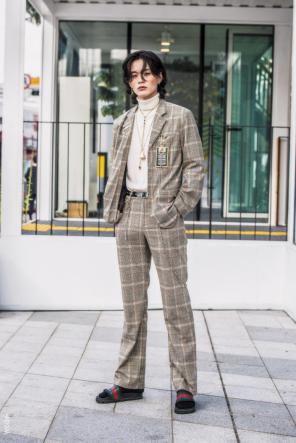 Fashion_Week_Streets_sfws41017_WGSN_Street_Style_SFW_SS2017_Mens_47_01