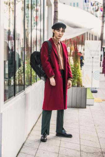 Fashion_Week_Streets_sfws41017_WGSN_Street_Style_SFW_SS2017_Mens_55_01