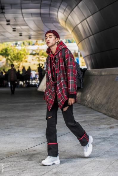 Fashion_Week_Streets_sfws41017_WGSN_Street_Style_SFW_SS2017_Mens_59_01