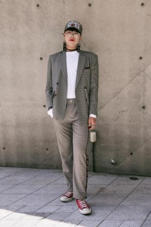 Fashion_Week_Streets_sfws41017_WGSN_Street_Style_SFW_SS2017_Mens_79_01