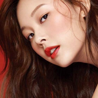 femalemag.com:3koreanmakeup trends youll want wear 2018